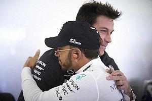 Вольф: Я обсуждал с Хэмилтоном его возможный уход в Ferrari