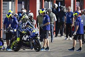 """Rossi: """"Es importante que los jefes de Yamaha vean cómo va la moto"""""""