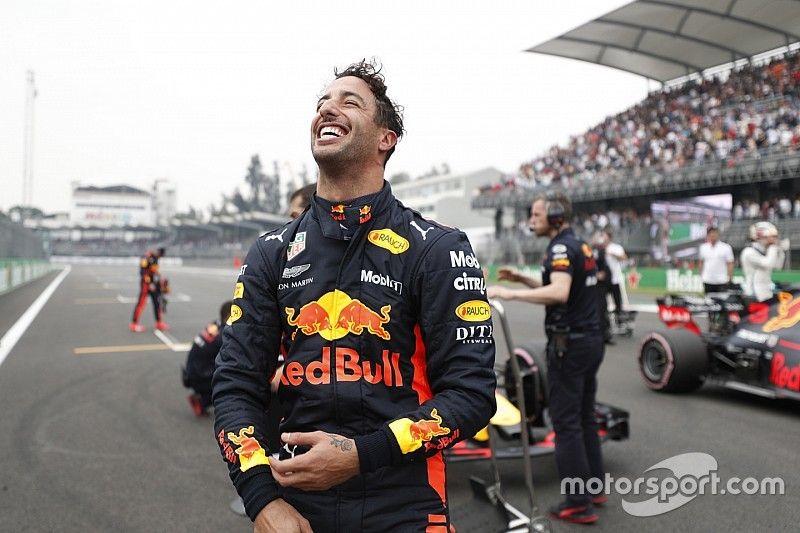Mexican GP: Ricciardo denies Verstappen pole by 0.026s
