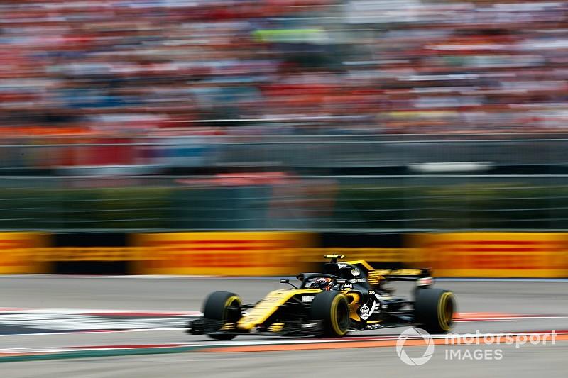 Sainz sufre en Rusia tras un toque de Sirotkin en la primera curva