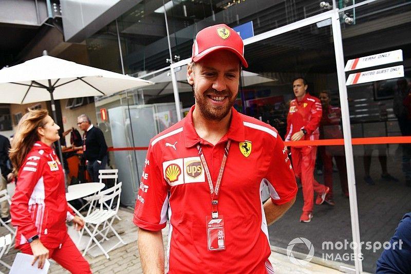 Un tornillo suelto causó el divertido mensaje de radio de Vettel
