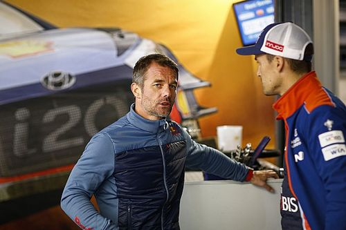 "Loeb will ""happily"" play supporting role for Neuville"