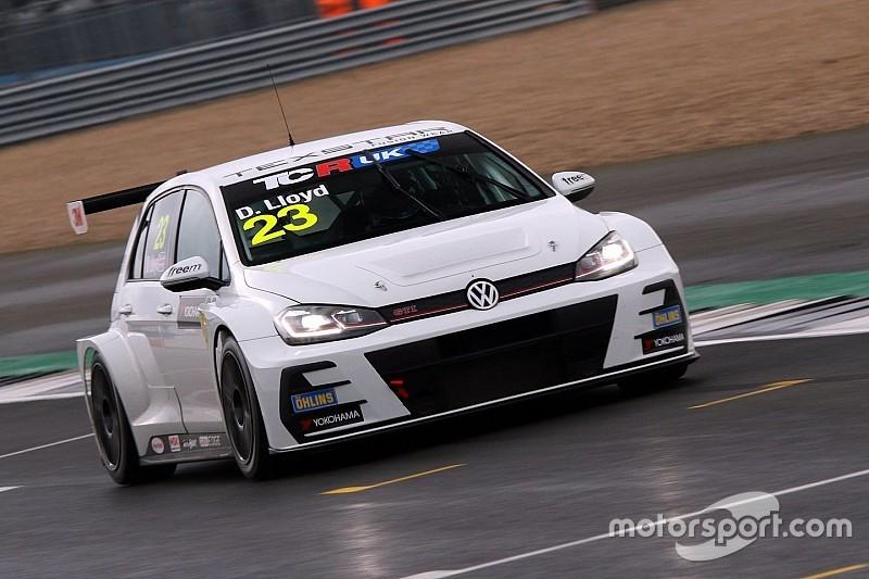 UK: Daniel Lloyd beffa Moffat e Fuller prendendosi la pole di Silverstone