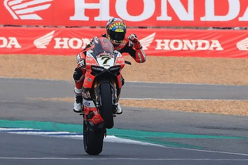 Fotogallery: Davies e la Ducati trionfano in Gara 2 della SBK a Buriram
