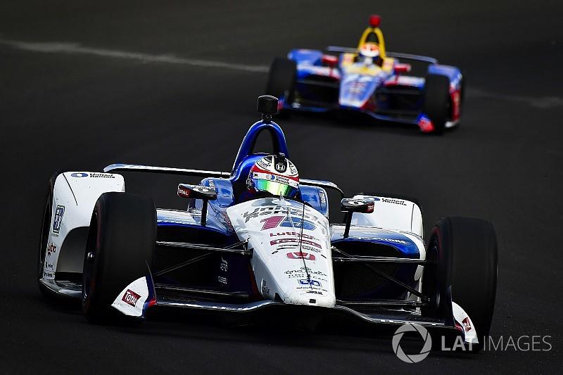 Indy 500: Rahal topt dag 3, Hildebrand in de muur