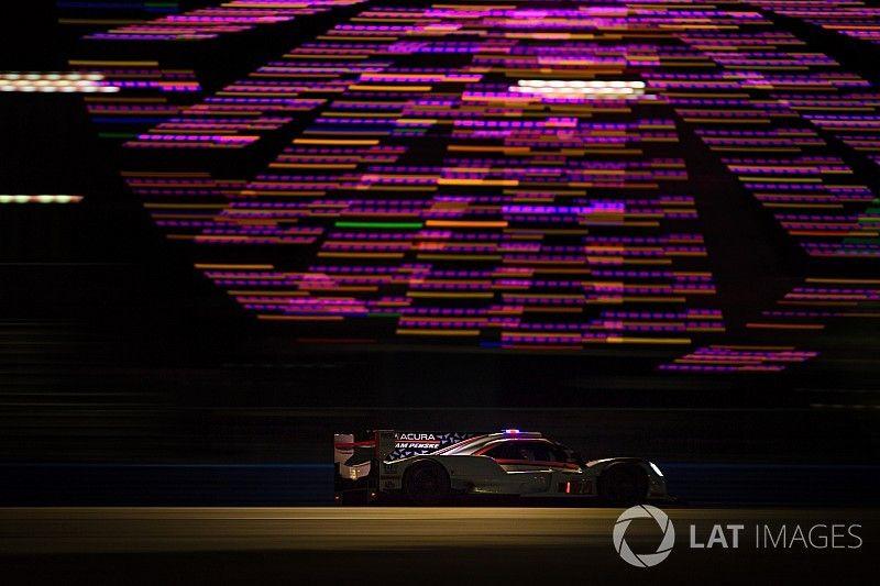 24h Daytona 2018 nach 10 Stunden: Penske jagt Action Express
