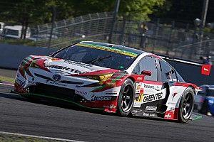 2位獲得の31号車プリウス。平手晃平「鈴鹿テストでの不安解消された」