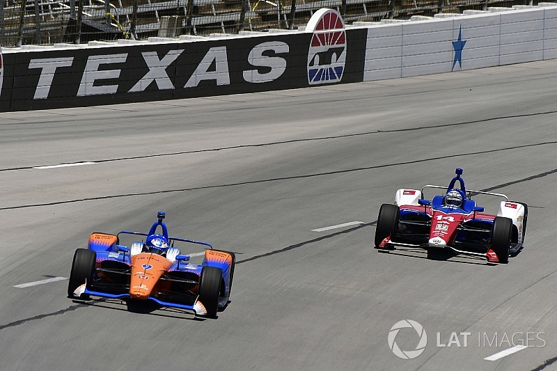 Texas IndyCar: Dixon leads Kanaan in evening practice
