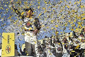 Harvick suma su segundo triunfo dominando en Las Vegas