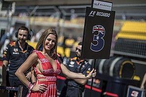 A rajtrácslányoknak tényleg az egyik F1-es főnök felesége miatt kellett menniük?!
