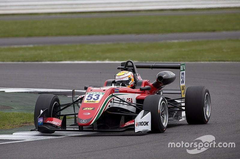 F3 Silverstone: Callum Ilott domineert slotrace