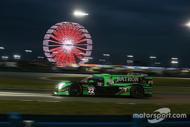 Daytona 24 Hours: Hr9 - ESM takes a turn out front