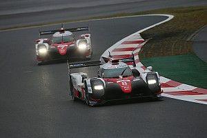 Course - Toyota vainqueur heureux d'une course tronquée