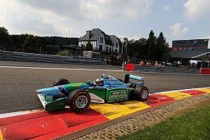 Photos - Mick Schumacher au volant de la Benetton de son père