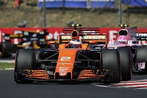 McLaren, ilk yarının son yarışında gelen çifte puandan memnun