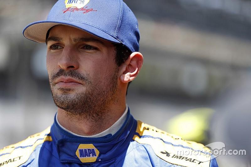 Rossi intentó arriesgar en Indy, pero no le funcionó