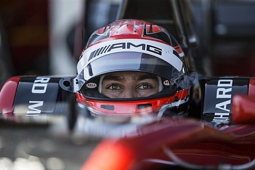 Рассел пересел из Force India в машину GP3 и выиграл квалификацию