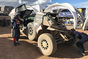 "Dakar Breaking news Sainz explains crash: ""I was pushing to recover lost time"""