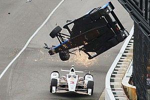 """Indy 500, Castroneves: """"Forse Dixon mi ha colpito mentre volava!"""""""