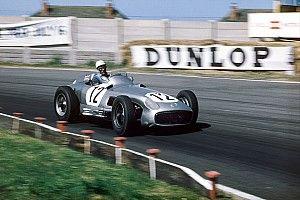 La carrera de Stirling Moss, en 100 fotos