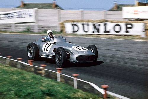 La carrera de Stirling Moss, en 100 fotos