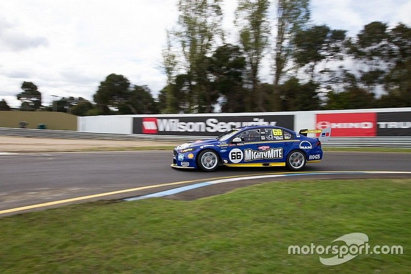 Sandown 500: Coulthard tops damp warm-up