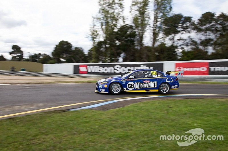 Sandown 500: Coulthard tops damp warm-up
