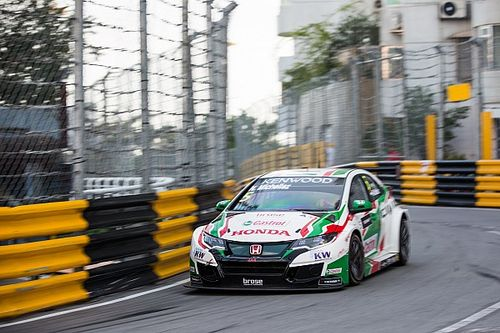 Macau WTCC: Michelisz fastest again in second practice