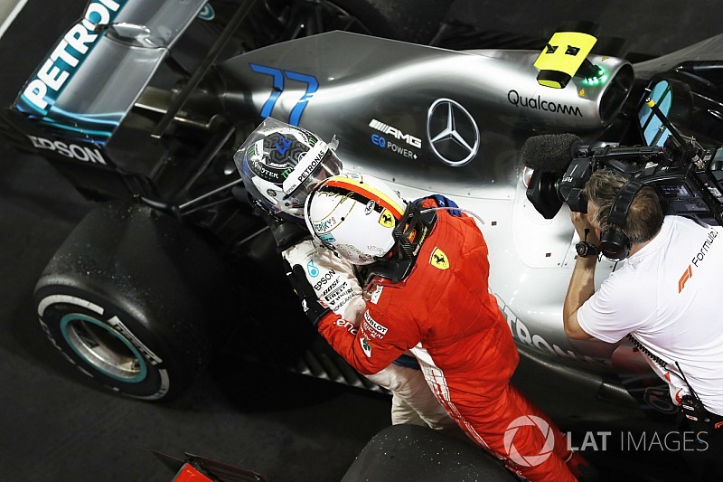 Mercedes diz que demorou para entender estratégia de Vettel