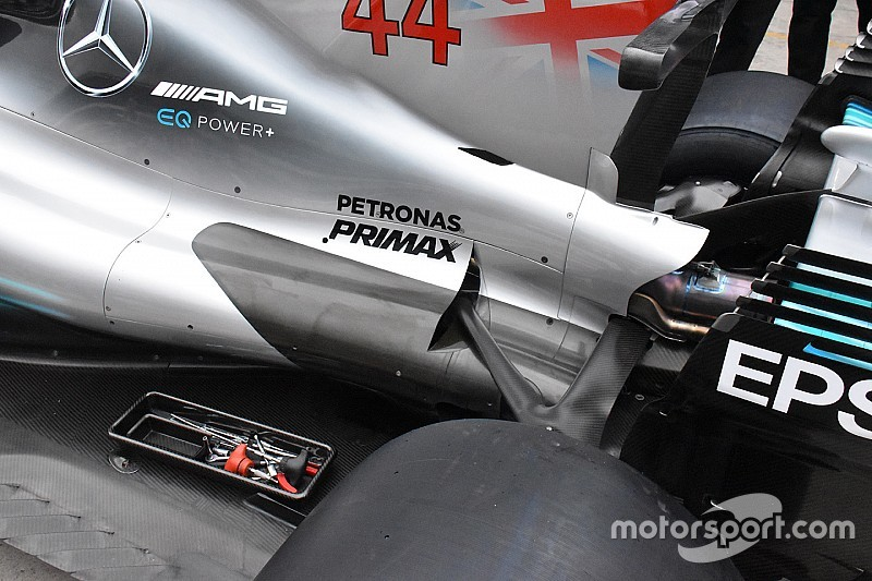 Mercedes: il cofano motore ora arriva fino al pilone dell'ala posteriore