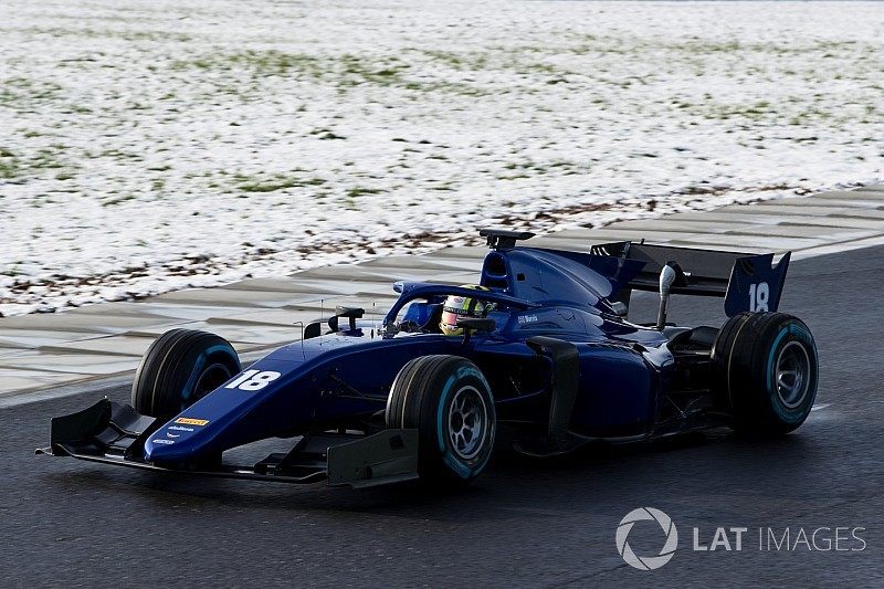 Photos - La nouvelle F2 en piste avec la neige!