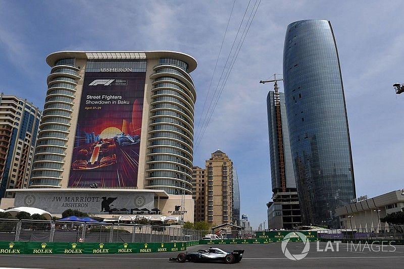 Bottas lidera una intensa primera sesión en Bakú