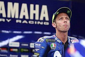 Росси решил провести как минимум год в автогонках после карьеры в MotoGP
