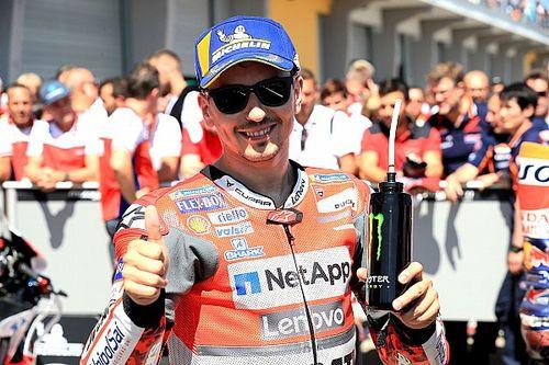 """Lorenzo: """"Felice della prima fila, ma di più per il passo gara. Domani userò una media al posteriore"""""""