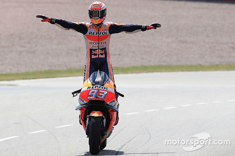 """Márquez: """"Quando vi Rossi a 0s6, falei: 'hora de ir'"""""""