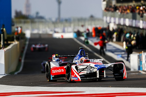Rosenqvist se puso a rezar para que su segundo auto estuviera listo