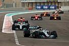 Para Mercedes, tres motores por año