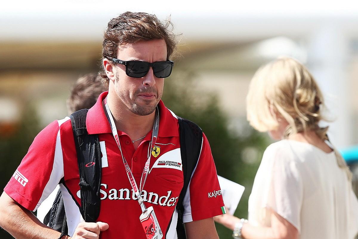 """Alonso: """"Ferrari'de kazandığım her para ödülünü mekanikerlerle paylaştım"""""""