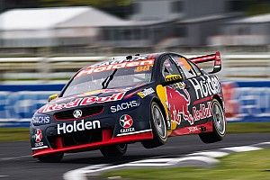 Pukekohe Supercars: Whincup pips McLaughlin for pole by 0.005s