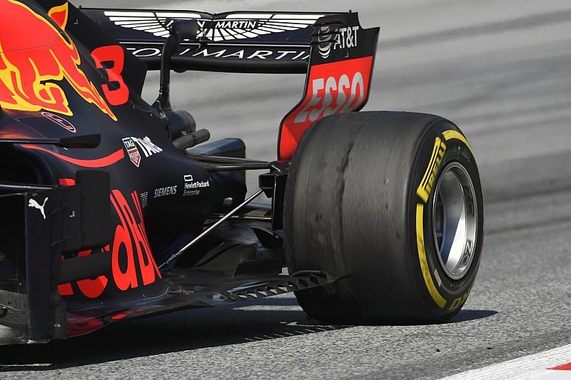Bandenslijtage verrast Pirelli, Sainz spreekt van 'onbestuurbare' auto
