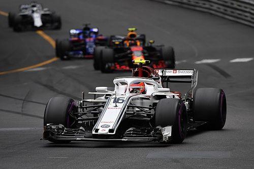 Leclerc houdt zich niet bezig met lofzangenF1-kampioenen