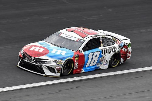 Kyle Busch dominates Stage 2 of the Coke 600