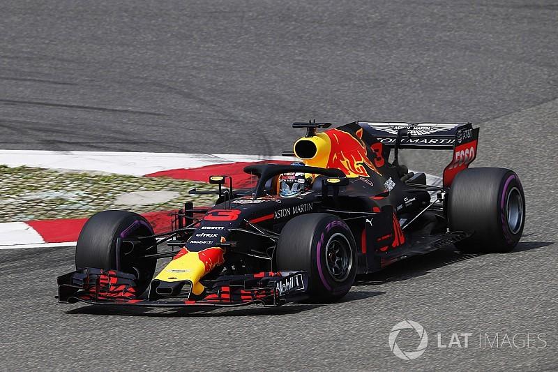 """Horner looft Ricciardo, Verstappen """"heeft prijs betaald"""""""