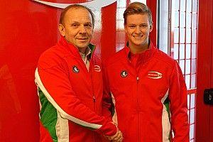 Мик Шумахер останется в Формуле 4 еще на год