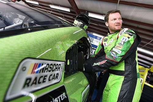 Dale Earnhardt Jr. earns pole for final Cup race at Talladega