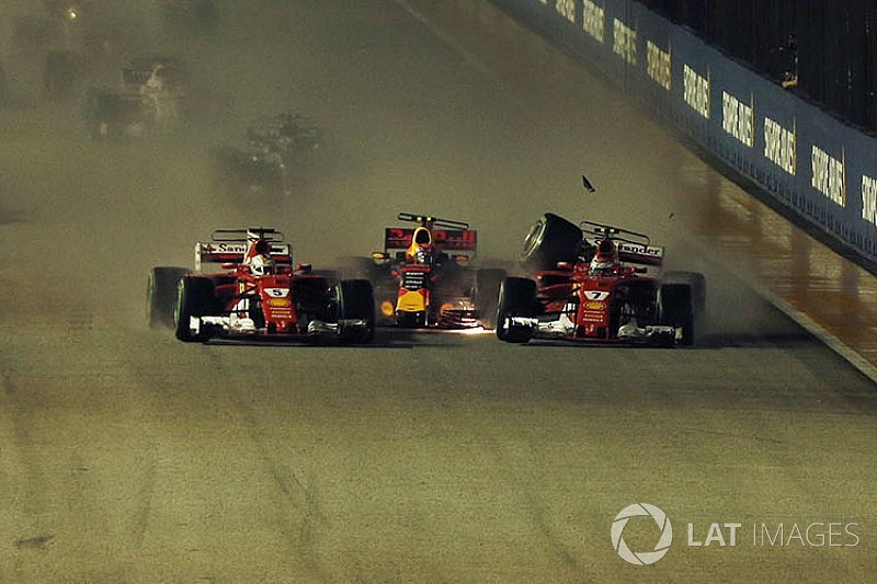 Fotogallery: le Ferrari out al via di Singapore nel crash con Verstappen