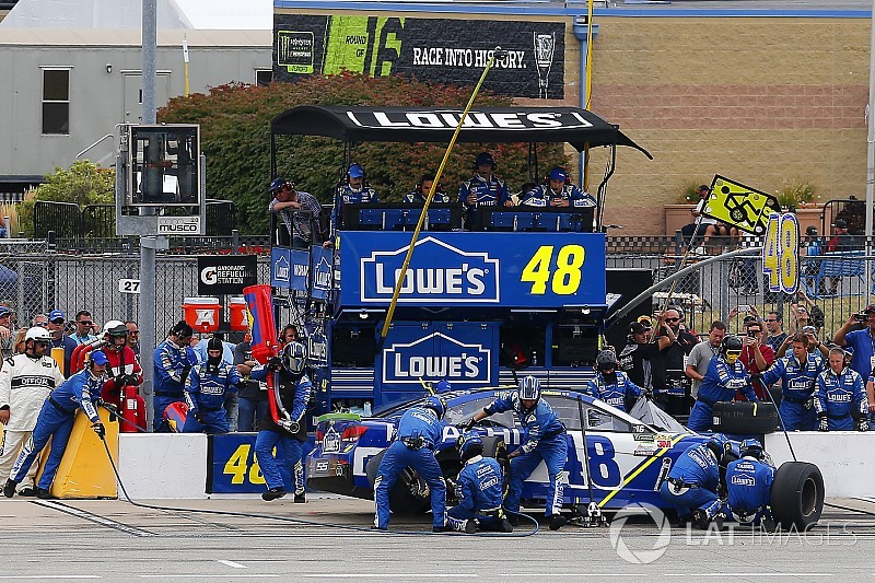 How Jimmie Johnson avoided a pit road penalty from NASCAR
