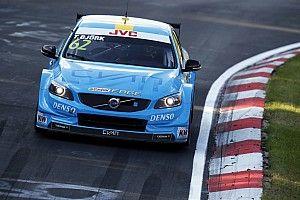 Bjork gana la carrera 1 y Monteiro sufre un pinchazo en el WTCC en Nurburgring