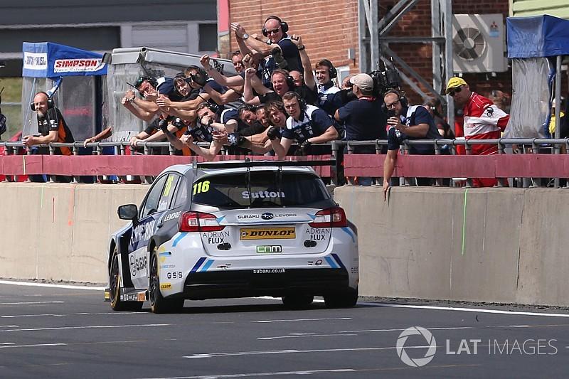 Snetterton BTCC: Sutton doubles up, takes points lead