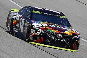 Kyle Busch in pole a Chicagoland e regala la prima fila al Joe Gibbs Racing